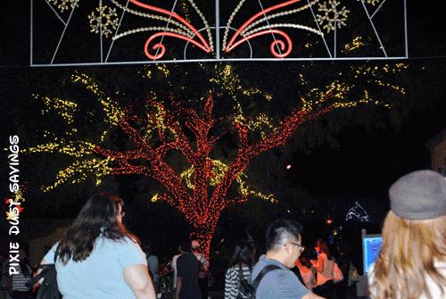 sea-world-christmas-event-trees-3