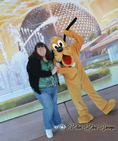 Having-fun-with-Pluto-at-Epcot