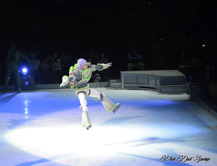 disney-on-ice-buzz-flying