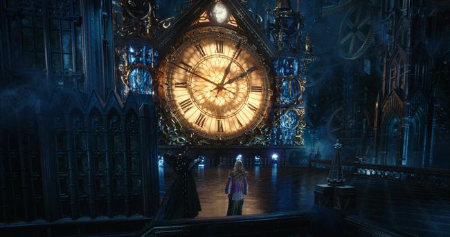 AliceThroughTheLookingGlass-clock