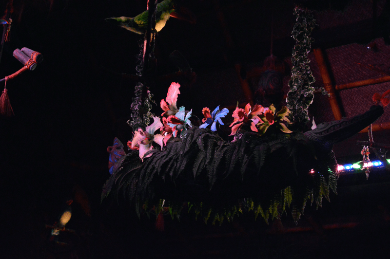 Enchanted Tiki Room singing flowers