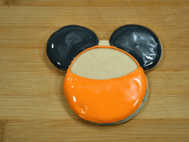 how to make Mickey Mouse Jack O Lantern Cookies