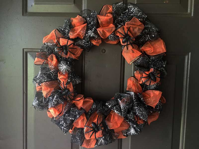 DIY Dollar Tree Halloween Wreath