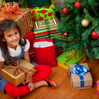 Top Tips on How to Save Money on Christmas Gifts