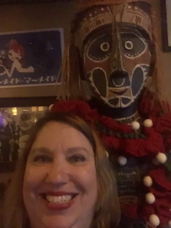 Trader sams tiki god with Julie