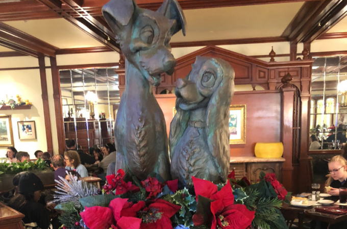 Lady and the Tramp fountain at Tonys Town Square restaurant