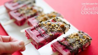 Cherry Yogurt Popsicles: an easy, healthy frozen treat for summer!