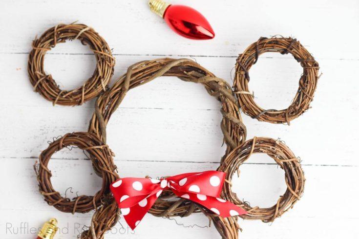 Mickey & Minnie Wreaths Ornaments - Perfect for Disney Fans!
