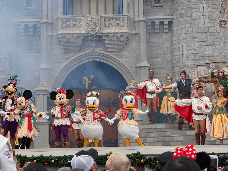 Christmas Mickeys Friendship Faire